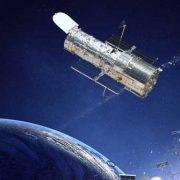 """Hubble Teleskop, Satelliten und andere """"Weltraumexoten"""""""
